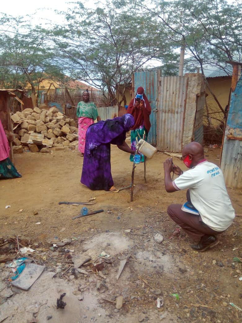 Simpel mekanisk dunk til håndvask, i Kenya